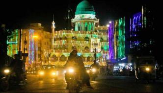 کراچی میں جشن عید میلاد کی تیاریاں ، مساجد اور عمارتیں روشن