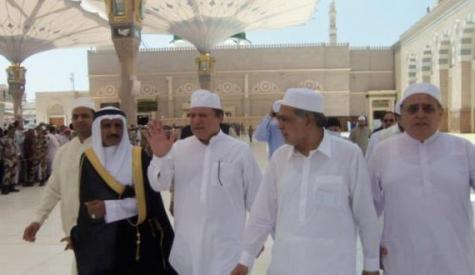 وزیراعظم نے عمرہ کی سعادت حاصل کی'ملکی سلامتی،امن واستحکام کیلئے خصوصی دعائیں