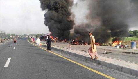 سانحہ احمد پور شرقیہ، مزید13زخمی دم توڑ گئے ، موٹروے پولیس کے 5افسر معطل