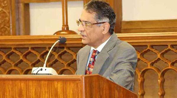ارکان پارلیمنٹ کو فنڈز کس قانون کے تحت ملتے ہیں، چیف جسٹس کا ازخود نوٹس
