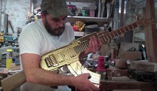 کولمبیا کے فنکار نے دنیا کو امن کا پیغام دینے کیلئے بندوق کو گٹار میں تبدیل کردیا
