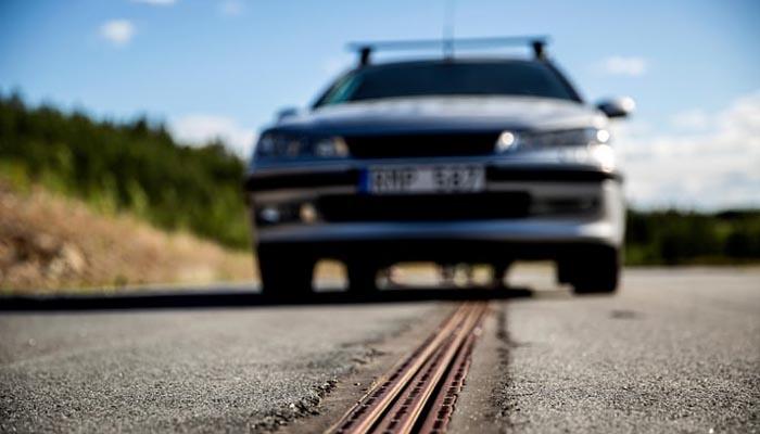 سویڈن میں گاڑیوں کو چارج کرنے والی سڑک کھول دی گئی