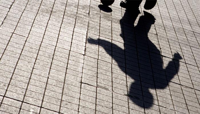 پنجگور: ائیرپورٹ روڈ پر نامعلوم افراد 15 سالہ لڑکے پرتیزاب پھینک کر فرار