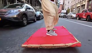 جدہ،'الہ دین'اپنے جادو ئی قالین پر اڑان بھرتا سڑکوں پر آنکلا