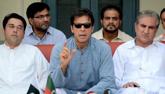 تلواریں نیام میں رکھیں، حکومت بنانی اور کرنی ہے، عمران خان، قومی و خیبرپختونخوا اسمبلیوں کے اجلاس پیر کو طلب، صدر 16 اگست کا دورہ ملتوی کریں، تحریک انصاف