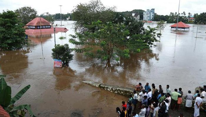 بھارتی ریاست کیرالا میں سیلاب ،ہلاکتیں100ہوگئیں، فوج طلب