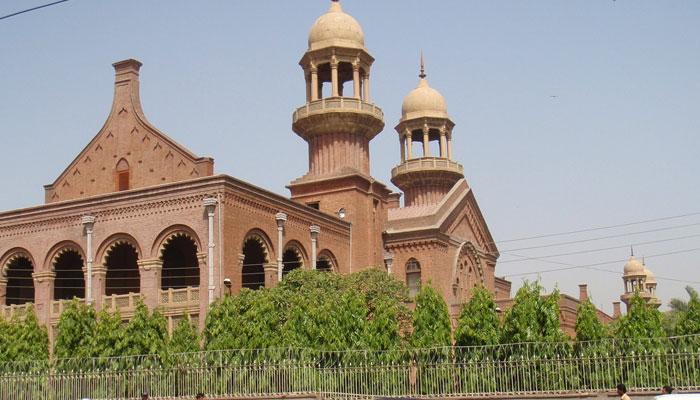 کم عمر بچوں کی ڈرائیونگ پر والدین کیخلاف کارروائی ہوگی، لاہور ہائیکورٹ