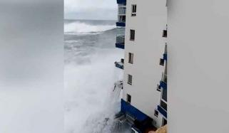 Giant Wave Hit The Balconies Of A Building In Tenerife