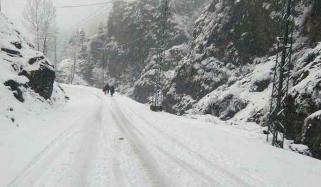 ملک کے بالائی علاقوں میں سردی ہی سردی، میدانی علاقوں میں بھی ٹھنڈ بڑھ گئی