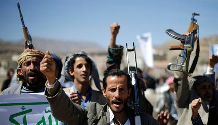 حوثی باغیوں کا یمنی فوج کی پریڈ پر ڈرون حملہ، 6افراد ہلاک