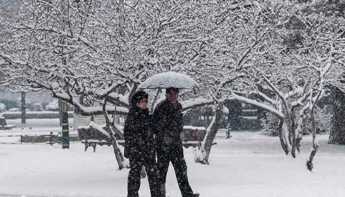 یورپ میں سردی کے باعث ہلاکتیں بڑھ کر 17 ہوگئیں، ریڈالرٹ جاری