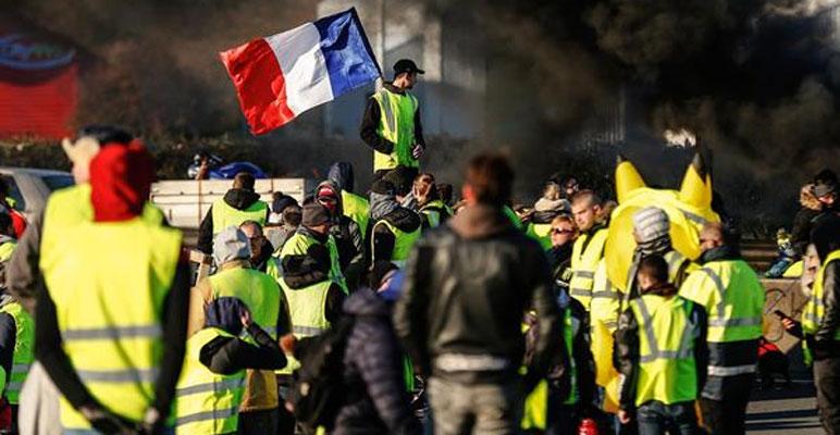 فرانس :''یلو ویسٹ'' مظاہروں میں صحافیوں پر حملے، 244افراد گرفتار