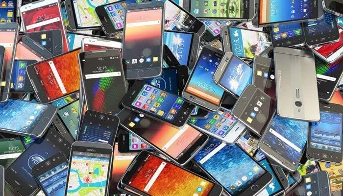 منی بجٹ، موبائل فون، بڑی گاڑیاں، لیدر آئٹمز مہنگے ہونے کا امکان