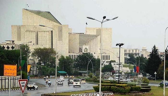 حکومت پنجاب نے انتہائی قیمتی اراضی کوڑیوں کے بھا ئو لیز پر دی ،سپریم کورٹ