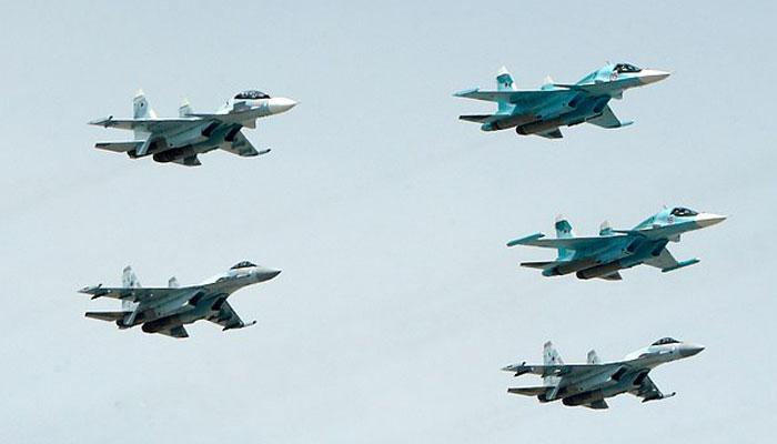 دو روسی لڑاکا طیارے دوران پرواز ٹکرا گئے، پائلٹس بچ نکلنے میں کامیاب