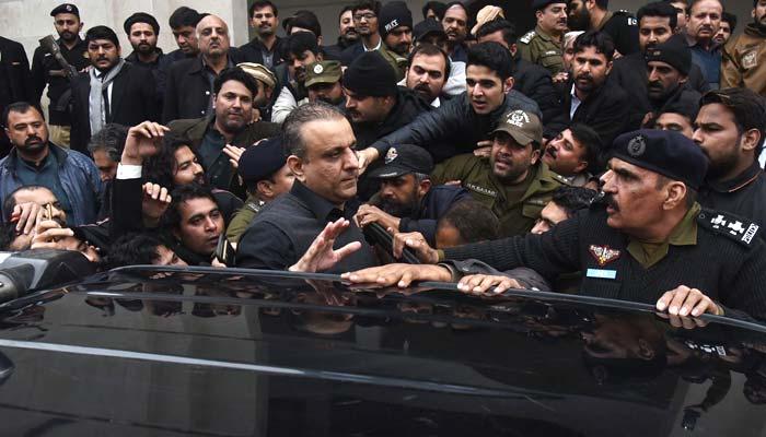 علیم خان کی گرفتاری کو بیلنسنگ ایکٹ نہیں کہوں گا، صداقت عباسی