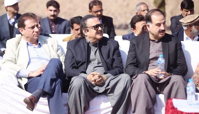 کراچی کے بڑے تاجروں کو نیب سے شکایات ہیں،معاون خصوصی وزیر اعظم