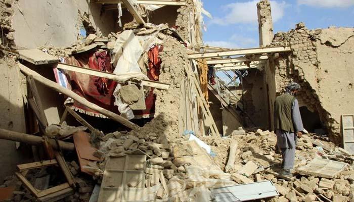 افغانستان، طالبان حملے میں 7 پولیس اہلکار ہلاک، بمباری میںبچوں عورتوں سمیت 21 شہری مارے گئے، رکن پارلیمان کا دعویٰ