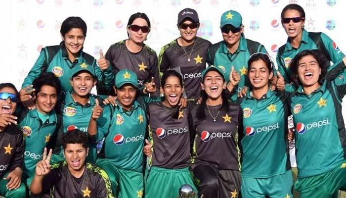 ویسٹ انڈیز کو ہرانے والی پاکستانی خواتین کرکٹرز کی وطن آمد