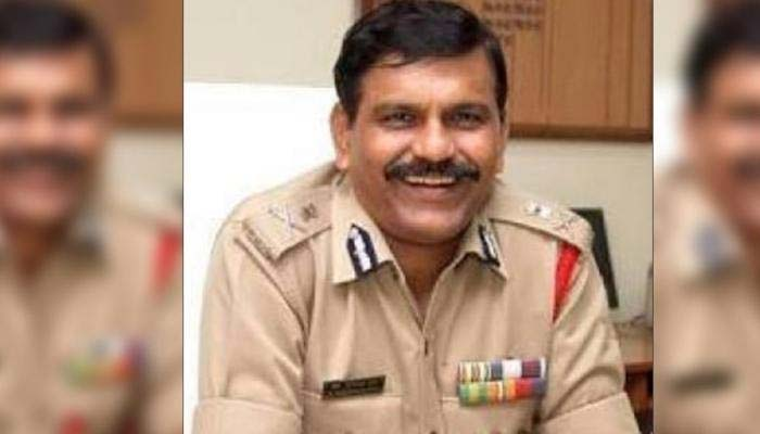 توہین عدالت،سابق بھارتی سی بی آئی چیف کو عدالت میں بیٹھنے کی سزا