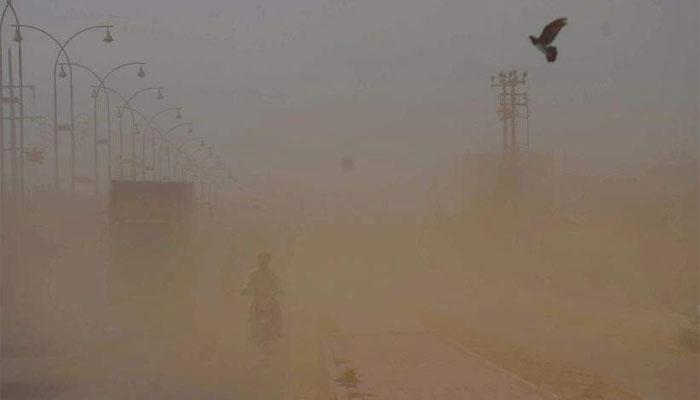 کراچی، آج اور کل تیزگرد آلود ہوائوں اور بارش کا امکان ہے، محکمہ موسمیات