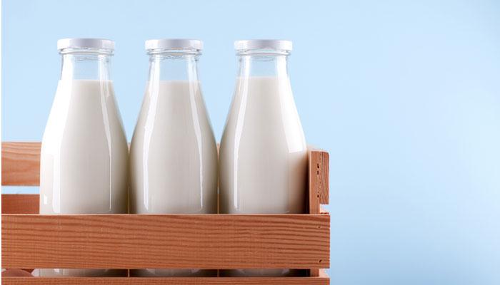 ''پٹائی ہوئی ہے، دودھ نہیںپہنچا سکوںگا'' گوالے کا گاہکوںکو خط