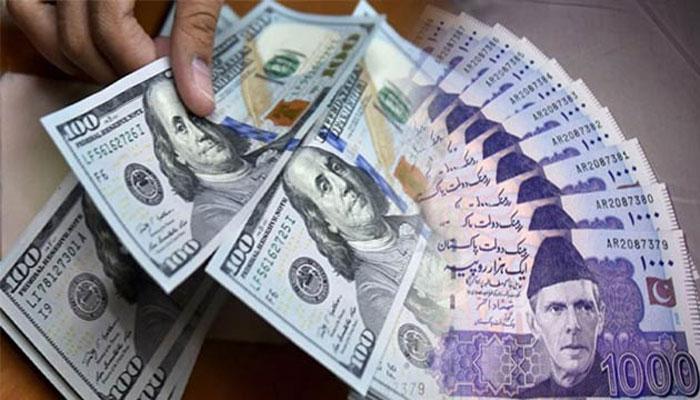 انٹر بینک میں ڈالر11 پیسے بڑھ گیا،اوپن مارکیٹ میں 20 پیسے کی کمی