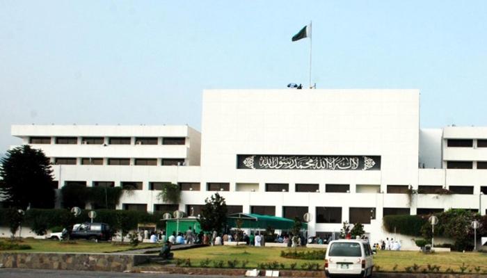 پارلیمنٹ ہائوس:اجلاس نہ ہونے کے باوجود غیرمعمولی رونق تھی
