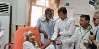 وزیراعظم کے سرکاری اسپتالوں پر چھاپے، مریضوں کے گلے شکوے