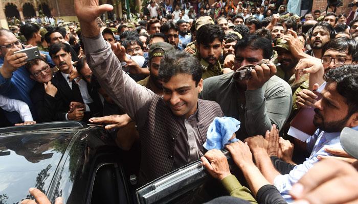 الطاف حسین لندن، حمزہ شہباز لاہور میں گرفتار، لگتا ہے اللہ کو پاکستان پر رحم آگیا، عمران خان