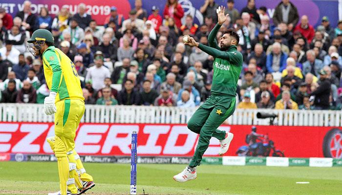 محمد عامر پانچ وکٹ لینے پر خوش