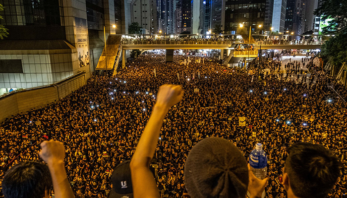 ماسکو اور ہانگ کانگ میںپھر بڑے مظاہرے