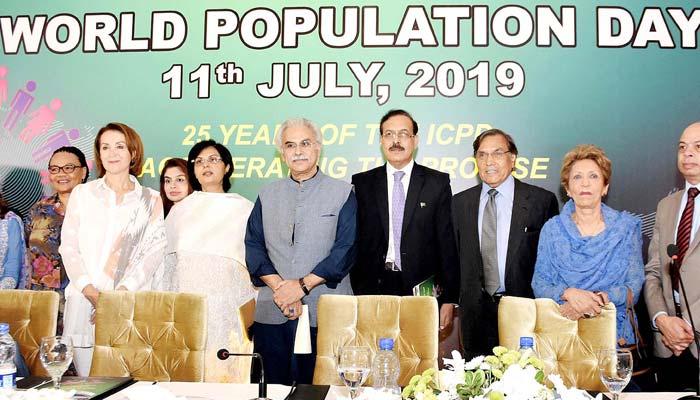 آبادی میں استحکام، اچھی صحت و تعلیم کیلئے شرح پیدائش میں کمی ضروری ہے، یو این ایف پی اے