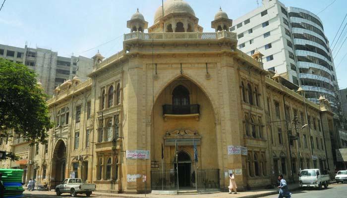 تاجروں کا کل شٹر ڈائون ، کراچی چیمبر کا اظہار لاتعلقی، لاہور میں تقسیم
