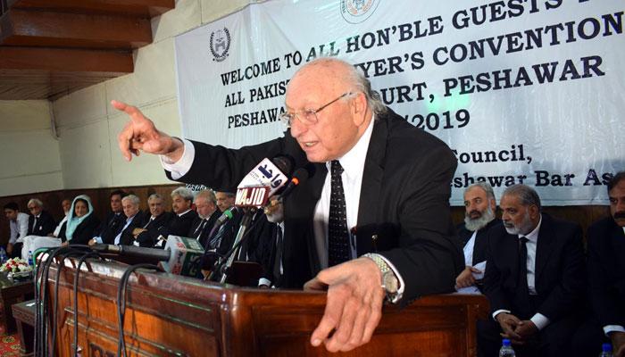 پشاور میں وکلا کنونشن، ججز کیخلاف ریفرنسز مسترد کرنے کی قرارداد