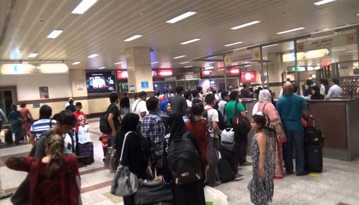 پی آئی اے کا شیڈول درہم برہم، ایئرپورٹس پر مسافروں کا احتجاج