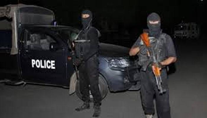 مستونگ،ایس ایچ او کی گاڑی کے قریب دھماکا،دواہلکاروںسمیت 4افراد زخمی