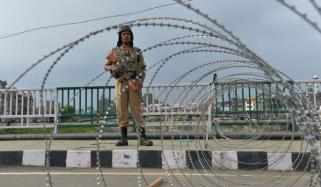 مقبوضہ کشمیر میں پابندیاں توڑنے کی کال