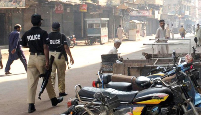 کراچی کے ڈاکوؤں کا واٹس ایپ گروپ اور سوشل ویلفیئر کا نظام
