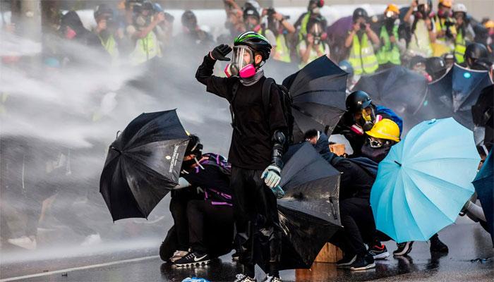 ہانگ کانگ، مظاہرین کا چین پر دبائو کیلئے برطانوی قونصل خانے پر احتجاج