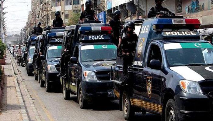 سرکاری پیٹرول کی چوری، تمام پولیس موبائلوں پر ٹریکر لگانے کا فیصلہ