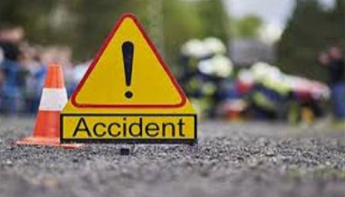 گاڑی کی ٹکر سے موٹر سائیکل سوار، چھت سے گر کر مزدور جاں بحق