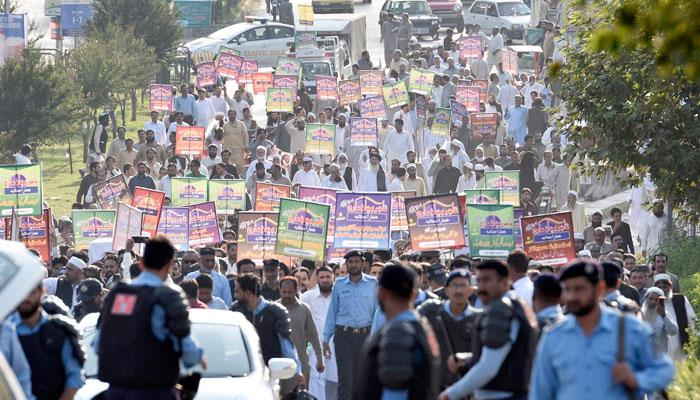 شناختی کارڈ دینگے نہ رجسٹریشن کرائیں گے، ملک بھر کے تاجروں کا اسلام آباد میں احتجاج، 28، 29 کو ملک گیر شٹرڈاؤن کااعلان