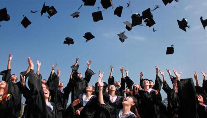 نئی ویزا پالیسی کا اطلاق یونیورسٹیوں میں زیرتعلیم طلبا پر بھی کیا جائے، اسٹوڈنٹس کا مطالبہ