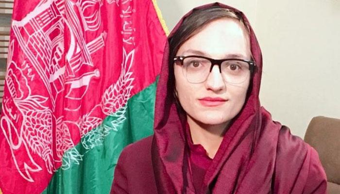 27 سالہ زریفا غفاری نے افغانستان کی پہلی کم عمر خاتون میئر کا عہدہ سنبھال لیا