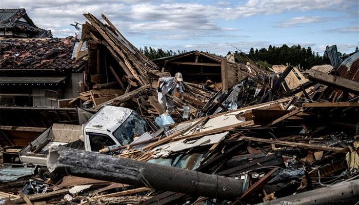 جاپان میں بدترین سمندری طوفان، بارشوں کے بعد 20 دریاؤں میں طغیانی، ہلاکتیں 26 ہوگئیں، درجنوں افراد لاپتا