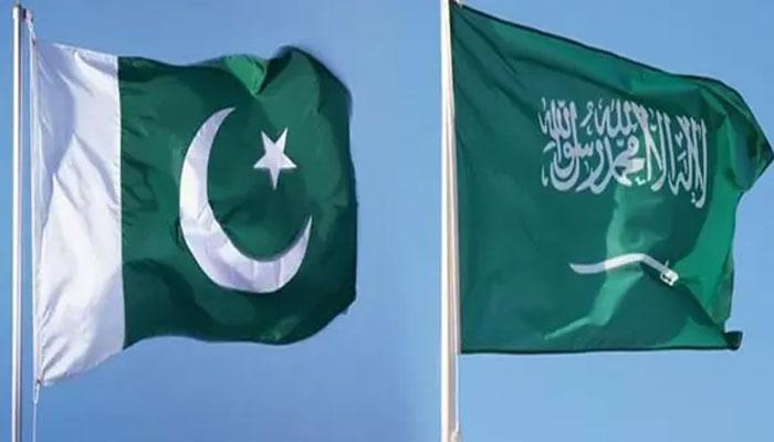 پاکستان اور سعودی عرب کا استحکام ایک دوسرے سے وابستہ ہے، مفتی قصوری