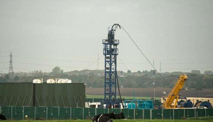 برطانیہ نے زیرزمین قدرتی گیس نکالنے کے متنازع طریقے پر پابندی لگادی