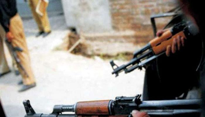 ڈیرہ اسماعیل خان میں فائرنگ کرکے 2پولیس اہلکاروں کو شہید کردیا گیا