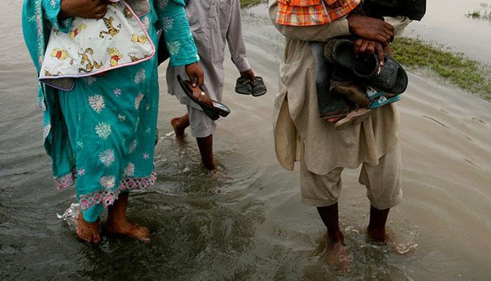 اہم رہائشی و تجارتی علاقوں سے بارش کے پانی کی عدم نکاسی،عوام کو مشکلات کاسامنا